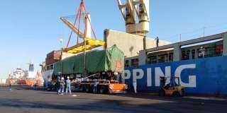 بحمولة 165 ألف طن حديد.. «ميناء الأدبية» يستقبل أكبر سفينة «صب جاف» في السخنة