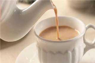 """يعود للقرن الـ ١٨.. تعرف إلى تاريخ """"الشاى بحليب"""""""