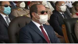 بعد وصوله.. الرئيس السيسي يوجه التحية لأهالي طلبة الكليات العسكرية